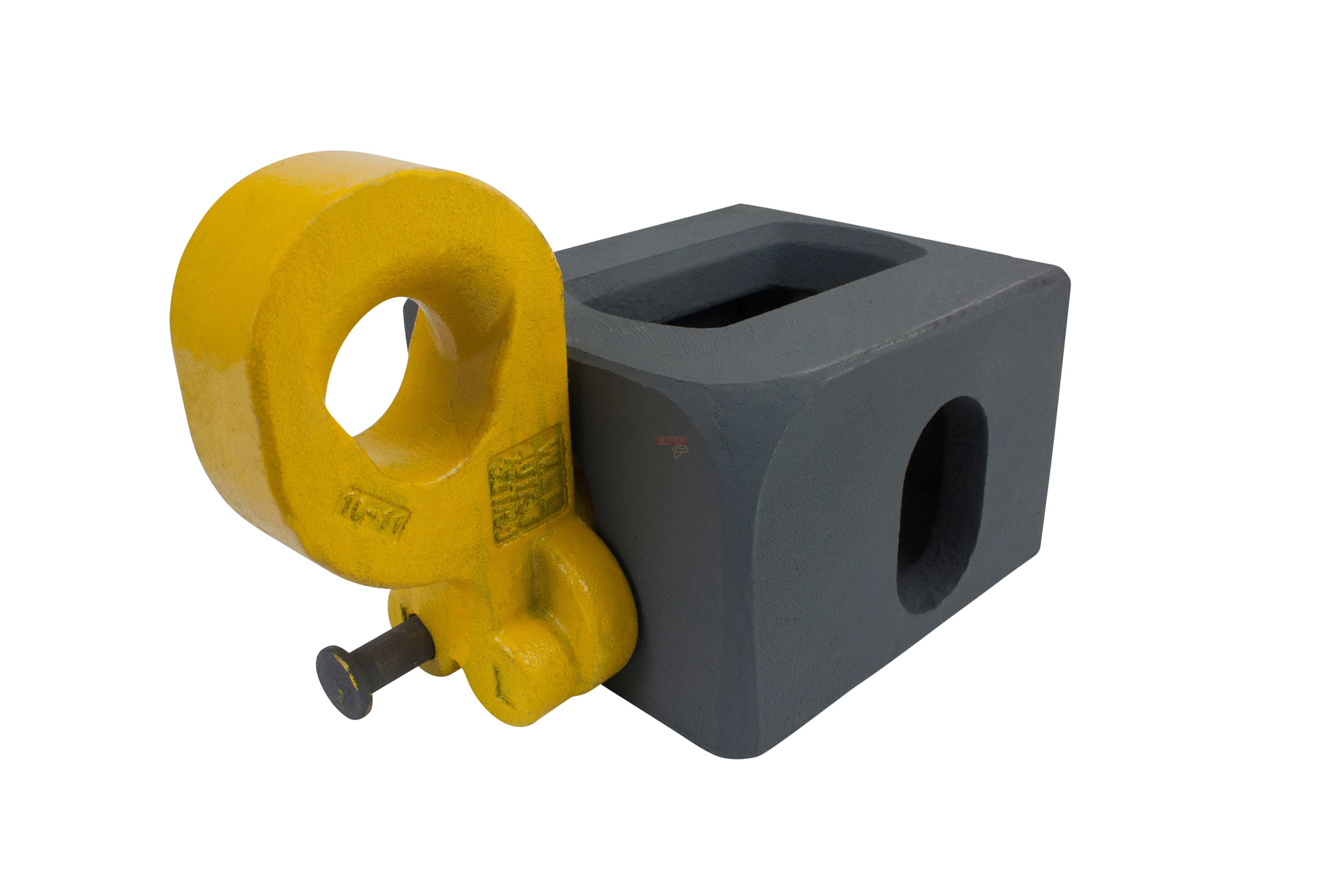 container lifting lug for bottom camlock